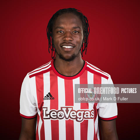13:20:57 First Team Squad Romaine Sawyers